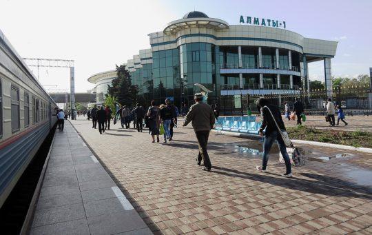 Ж/Д вокзал Алматы-1. Фото img-fotki.yandex.ru