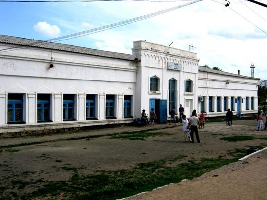 Вокзал ст. Жарык. Фото photos.wikimapia.org