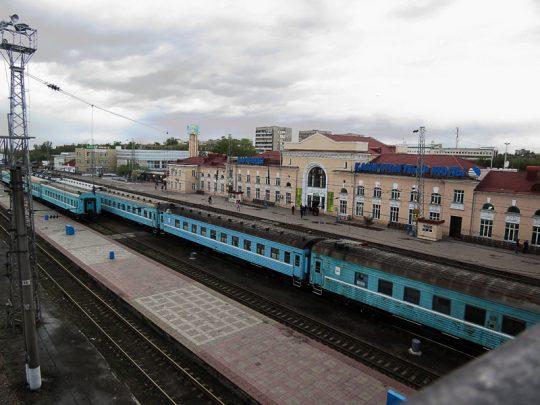 Вид на Ж/Д вокзал в Караганде. Фото img-fotki.yandex.ru