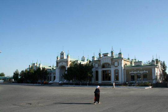 Ж/Д вокзал в Туркестане. Фото farsah.kz